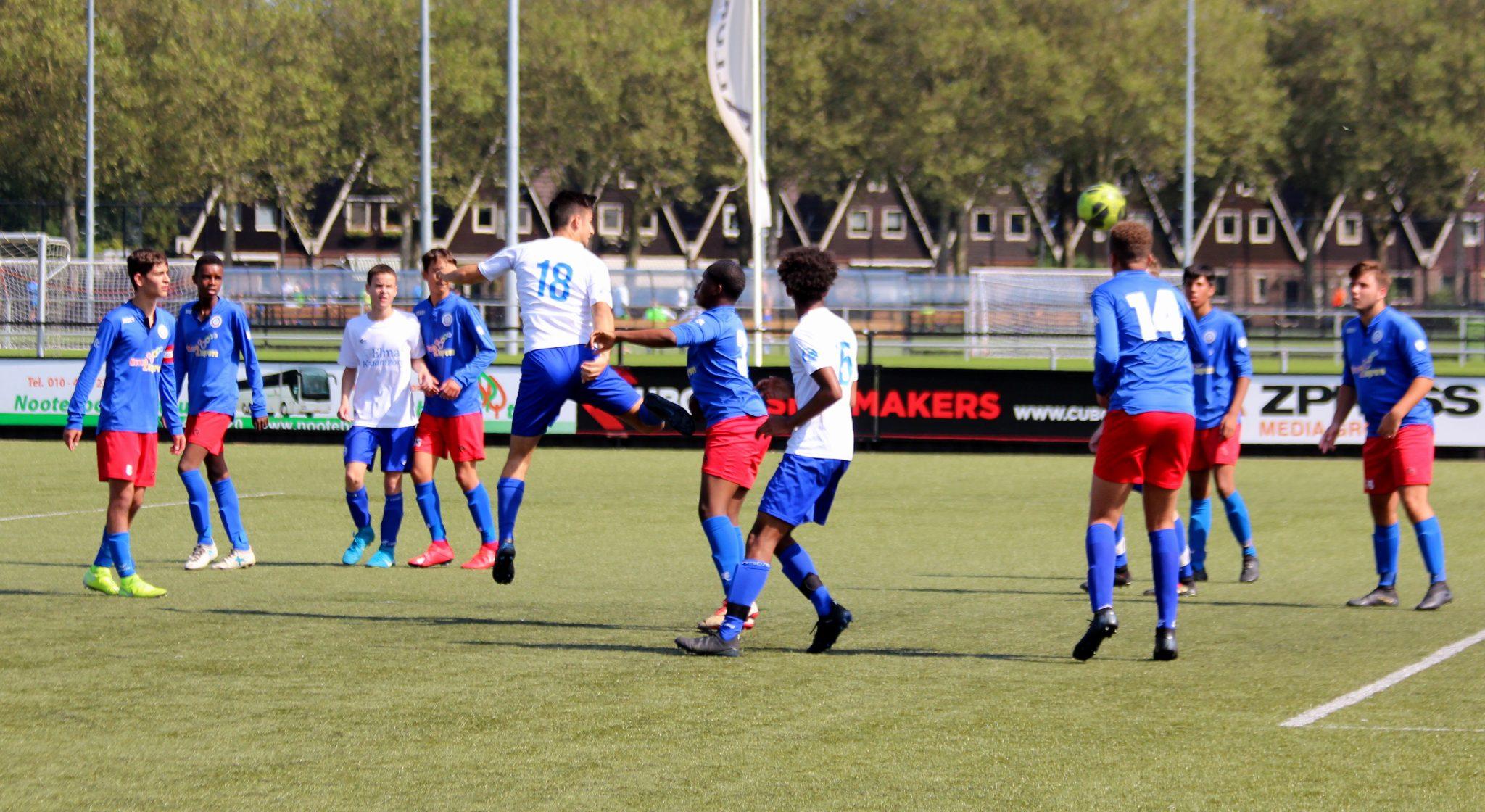 Fotoreportage: XerxesDZB JO17-1 wint van IJVV de Zwervers